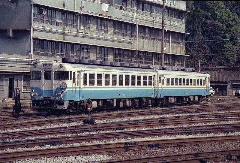 90_tokushima_eki2_2